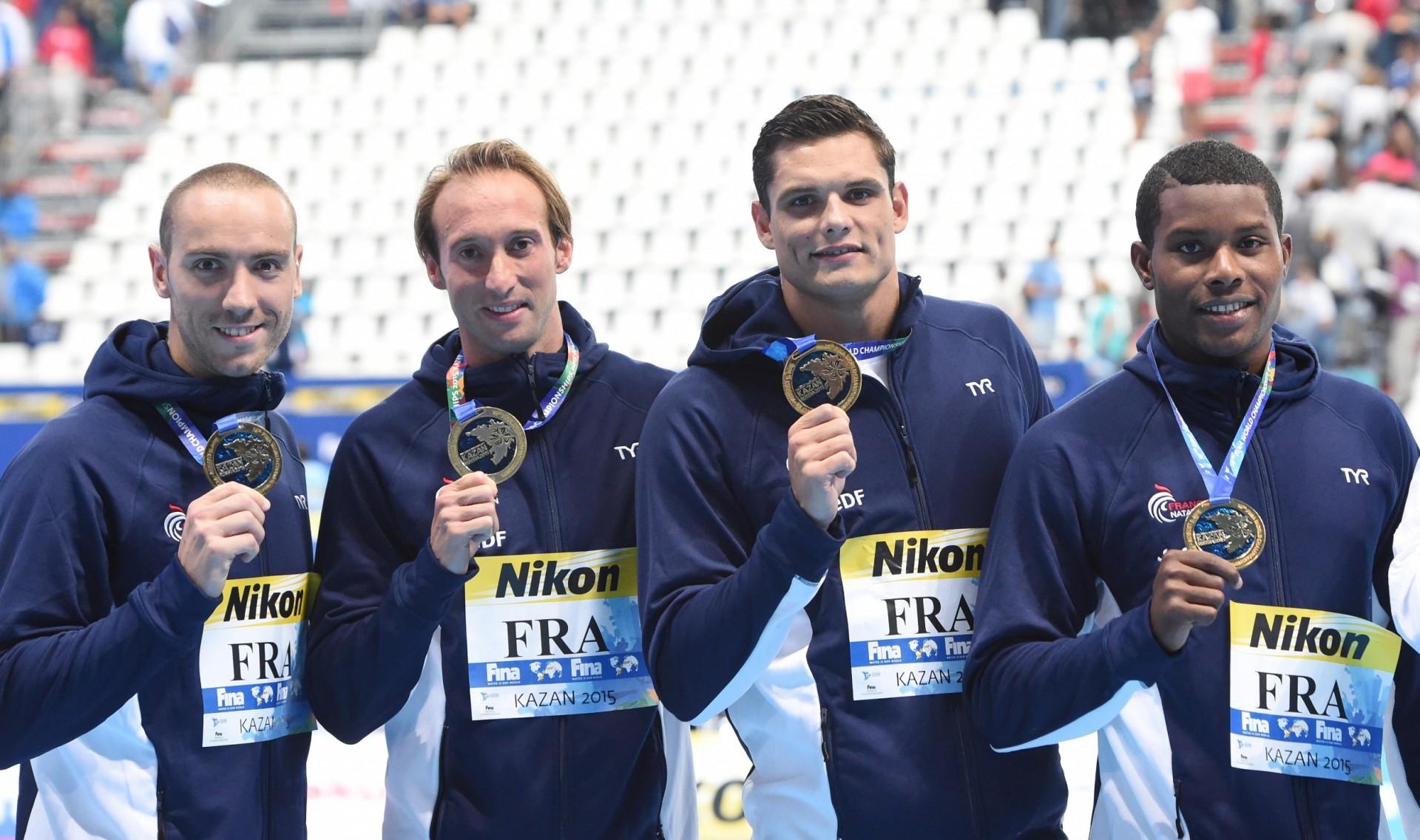 Wolfcom france wolfcom r gie publicitaire championnat de for Club de natation piscine parc olympique